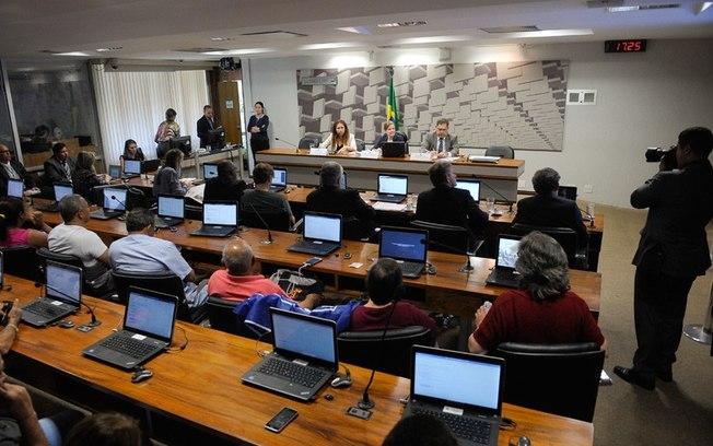 PEC DO TETO DE GASTOS AUMENTARÁ DESIGUALDADE SOCIAL, DIZEM ECONOMISTAS