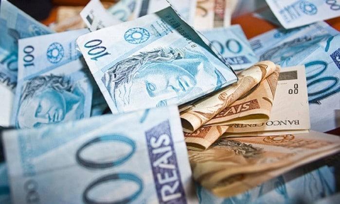 ESTADO DIVULGA PACOTE DE AUSTERIDADE EXTINGUINDO SECRETARIAS E DESRESPEITANDO SERVIDORES