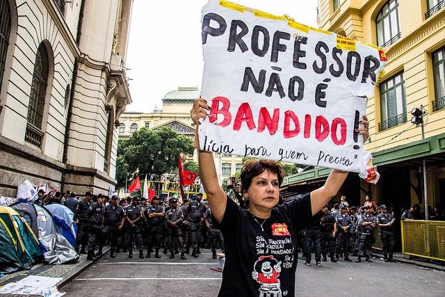 PROFESSORES ESTADUAIS E MUNICIPAIS ARTICULAM GREVE UNIFICADA A PARTIR DE MARÇO