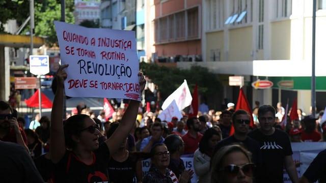PARALISAÇÃO É AMAIOR DA HISTÓRIA:35 MILHÕES DE BRASILEIROS PROTESTAM CONTRA A RETIRADA DE DIREITOS